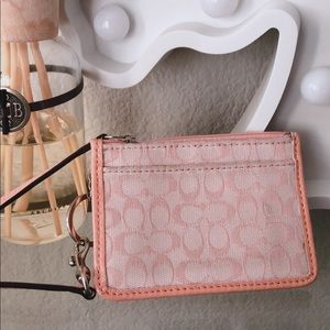 ✨SALE!!! 💞Coach Pink coin purse/pouch wristlet✨